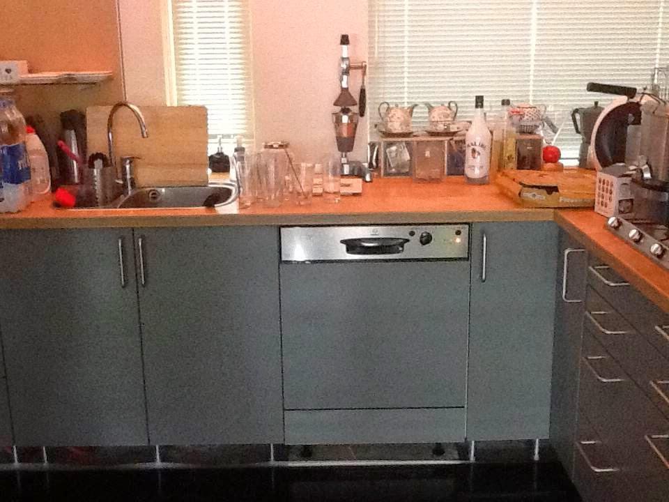 Grijze Keuken Met Zwart Blad : on folie plakken keuken opknappen keuken plakken keuken renoveren