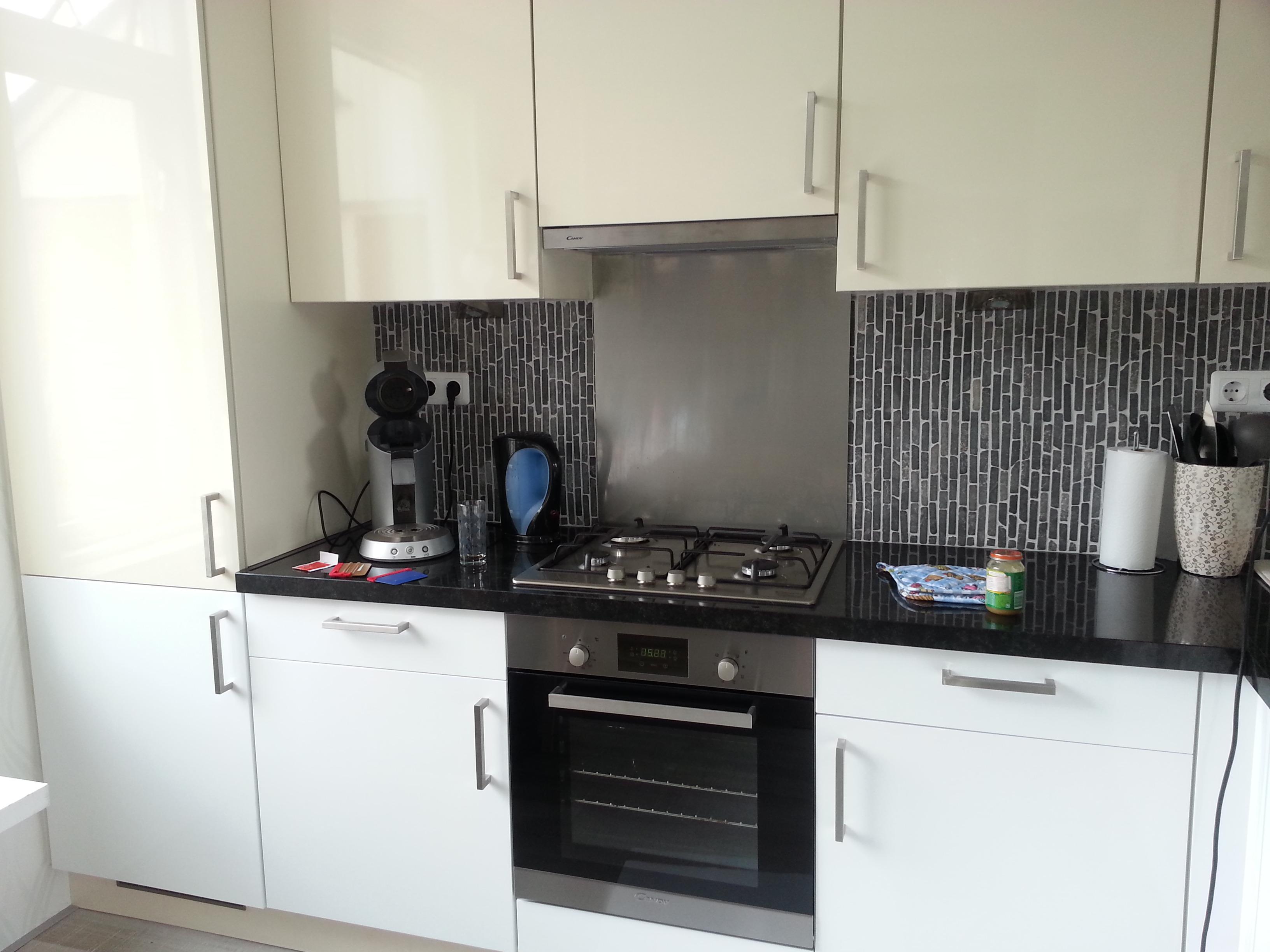 keuken tegels wit : Keuken Magnolia Geel Naar Hoogglans Wit