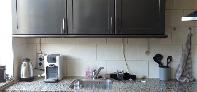 Keuken – van hout / wit naar metallic grijs!